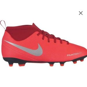 Nike Youth Phantom Vision Club Soccer Cleats 5.5
